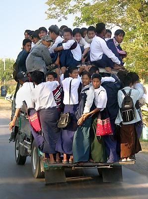 Myanmar_Bus.jpg