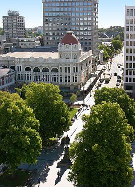 Blick vom Kirchturm auf den Cathedral Square in Christchurch