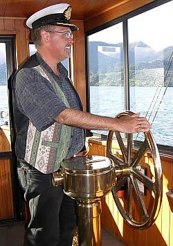 Für 5 Minuten Kapitän auf dem Dampfschiff TSS Earnslaw
