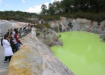 Green Lake im Wai-O-Tapu Thermal Park