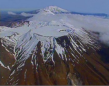 Flug über die Vulkankette im Tongariro National Park