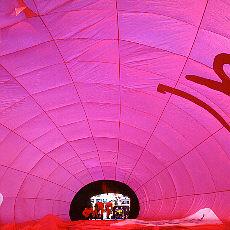 Innerhalb der Ballonhülle (April)