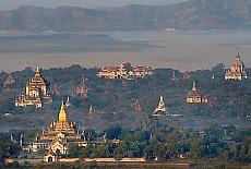 Goldener Ananda Tempel (November)