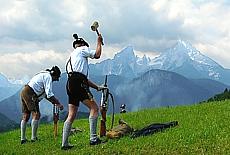 Bayerische Böllerschützen auf dem Lockstein (Mai)