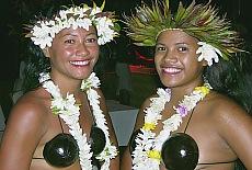 Inselschönheiten am Strand von Bora Bora (September)