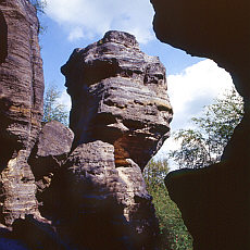 Felsformation in der Böhmischen Schweiz (Mai)