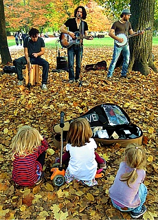 Musikanten im Englischen Garten (November)