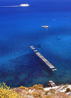 Verlassener Steg am Capo Rosso auf Lipari (Februar)