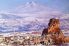 Uchisar und Mount Erciyes im Winter (Januar)