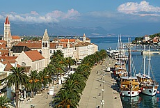 Altstadt und Hafen von Trogir (Februar)