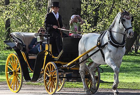 Pferdekutschfahrt im Englischen Garten München (September)