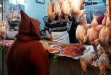 Geflügelhändler in der Medina von Tetouan (November)