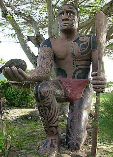 Maori Statue (Juni)