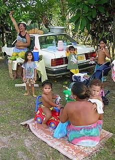 Kokosnussverkauf auf Moorea (März)