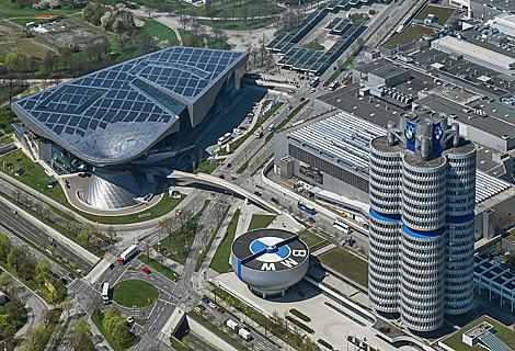 BMW Welt und BMW Zylinder (Juli)