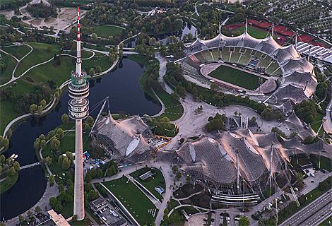 Olympiazelt und Olympiaturm im Abendlicht (Mai)
