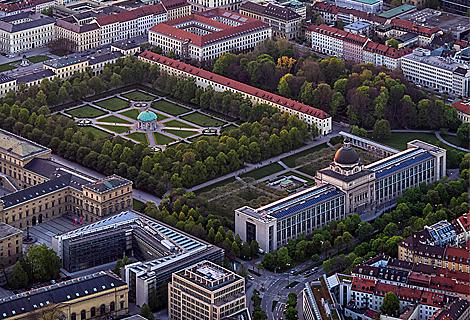 Hofgarten, Bayerische Staatskanzlei, Residenz, Ludwigstrasse (März)