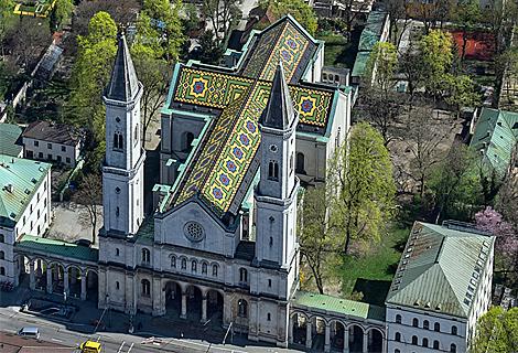Ludwigskirche an der Universität (Juni)