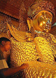Goldener Mahamudi Buddha (Dezember)