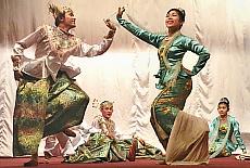 Burmesischer Tanz (Oktober)