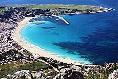 Blick vom Monte Monaco auf San Vito lo Capo (Juni)
