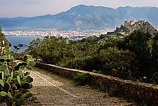 Pilgerweg zum Monte Pellegrino, dem Hausberg von Palermo (Januar)
