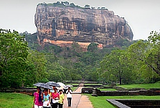 Auf dem Weg zum Sigiriya Felsen (Juni)