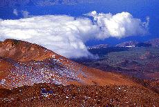 Blick vom Teidegipfel auf die Küste (März)