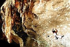 Klettern an den Karstfelsen von Raileh (Juli)
