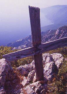 Blick von der Skite Ag. Anna auf die Westküste des Heiligen Berges (April)