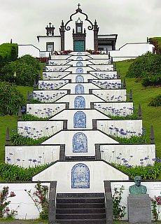 Wallfahrtskapelle Nossa Senhora da Paz auf São Miguel (Februar)