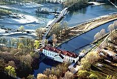 Wasserkraftwerk am Flauchersteg über die Isar (Februar)