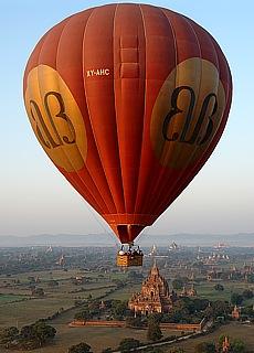 Balloons over Bagan (Juni)