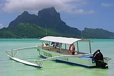 Auslegerboot auf Bora Bora (Januar)