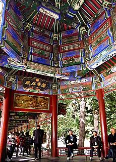 Wandelgang im Sommerpalast in Peking (Juli)