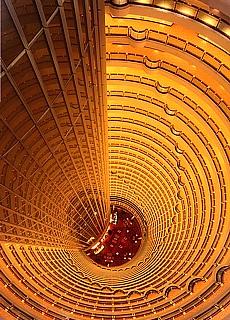 Wolkenkratzer Treppenhaus in Shanghai (März)
