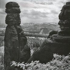 Barbarine, das Wahrzeichen des Elbsandsteingebirges (April)