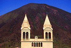 Wallfahrtskirche Madonna del Terzito im Hochtal Valdichiesa (September)