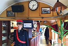 Nostalgisches Eisenbahnrestaurant in DDR Waggons (Oktober)