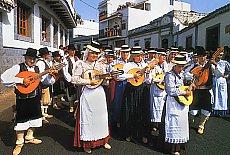 Trachtengruppe in Agüimes (August)