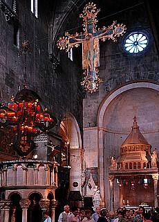 Kirche in Trogir (Dezember)