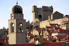 Wehrturm über Dubrovnik (Oktober)