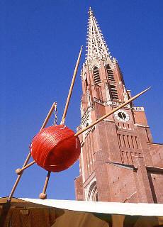 Auer Dult rund um die Mariahilfkirche (Mai)