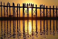 Sonnenuntergang an der U-Bein Brücke (September)
