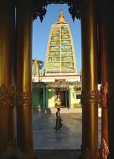 Shwedagon Pagode in Yangon (Mai)