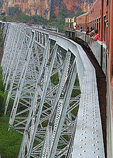 Goktheik Viadukt bei Pyin Oo Lwin (Oktober)