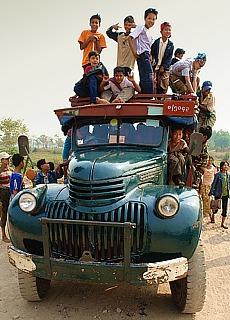 Burmesische Schüler bei einem Pilgerausflug zum Mount Zwekabin (März)