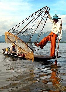 Einbeinfischer am Inle See (Februar)