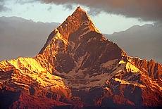 Machapucare (Fishtail Mountain) (Februar)