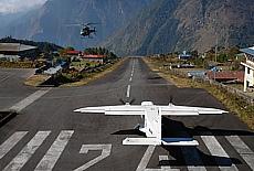 Lukla der gefährlichste Flugplatz der Welt (April)